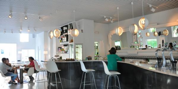 Interior barra